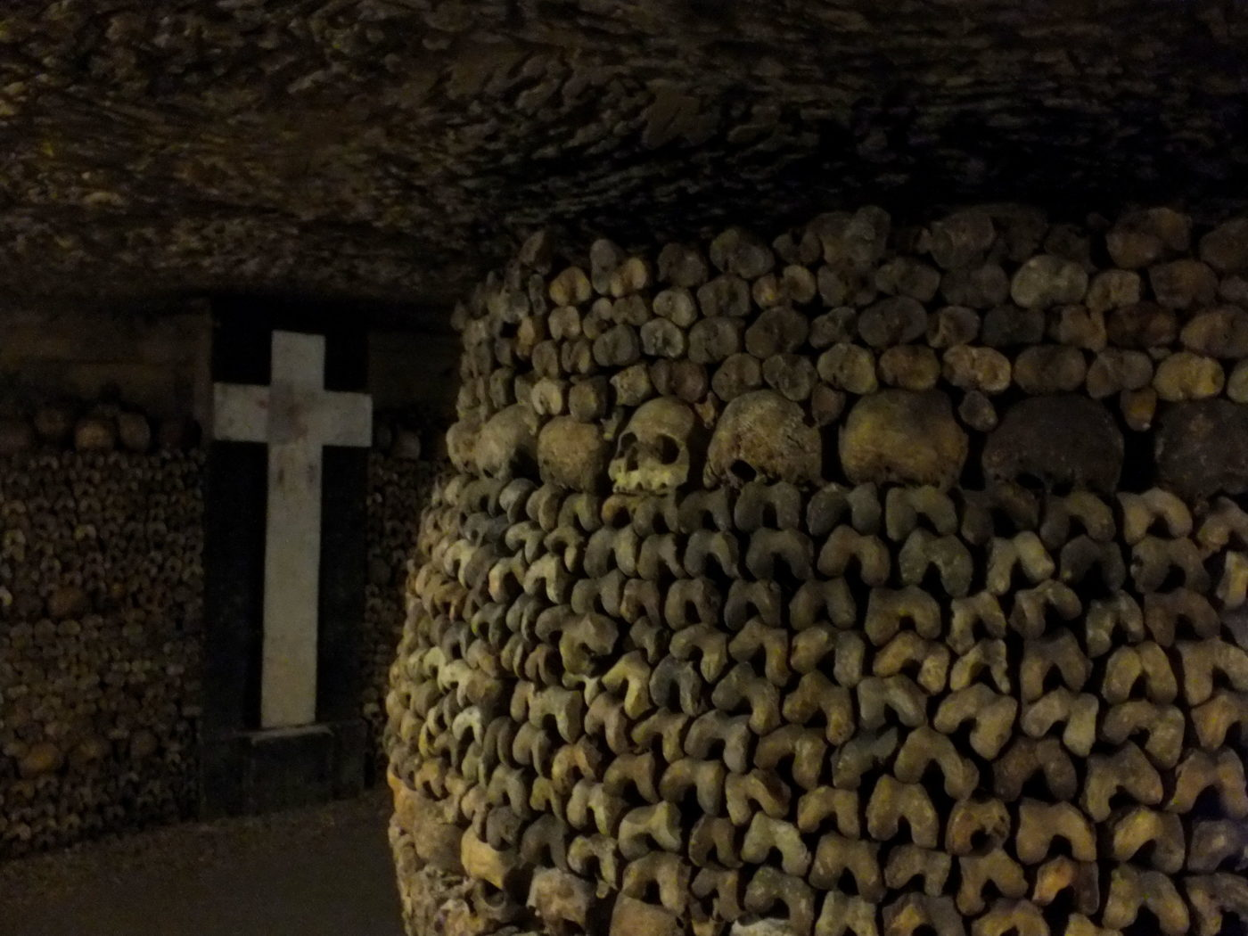 The Catacombs of Paris. Photo credit: Fraser Mummery, Flickr.